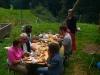 Essen auf der Hütte beim Gemeinschaftsgarten
