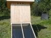 Solardörrer im Gemeinschafsgarten zum Trocknen der Kräuter.